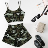 Conjunto top blusa e shortinho camuflado verde exército militar Ref 2370