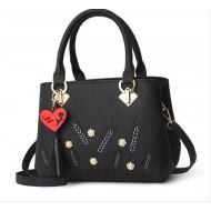 Bolsa preta feminina com alças Ref 1240