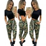 Conjunto cropped preto com calça militar camuflada Ref 2568