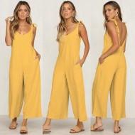 Macacão amarelo pantalona de alças Ref 1020