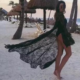 Saída de praia em renda preta Ref 554
