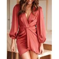 Vestido luxo de cetim com mangas e decote V transpassado Ref 2417