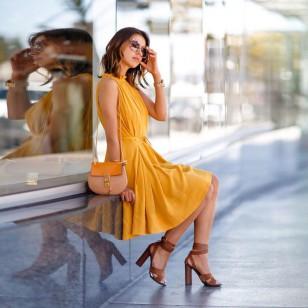 Vestido de verão sem casual cor de mostarda com bolso Ref 2224