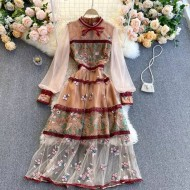 Vestido florido vintage com bordados Ref 3220